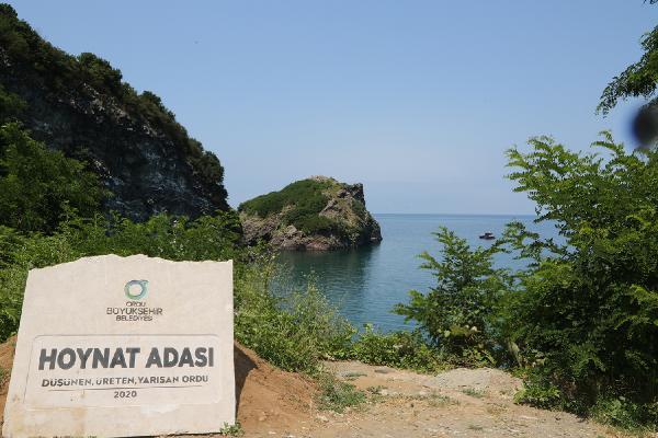 Hoynat Adası çevresi çöpten arındırıldı