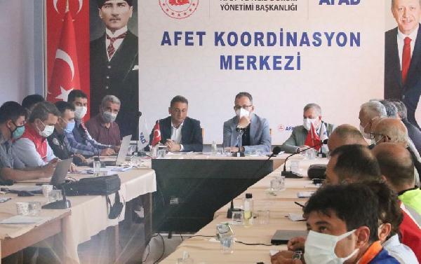 Bakan Kasapoğlu'ndan Ayancık'a ziyaret