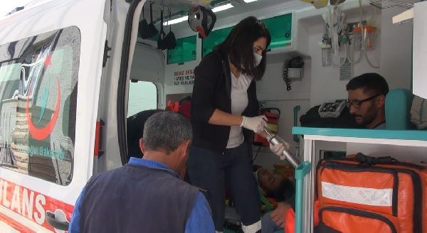 Yurttaki tadilatta iskeleden düşen 2 işçi yaralandı; görevliler görüntü alınmasını engellemeye çalıştı